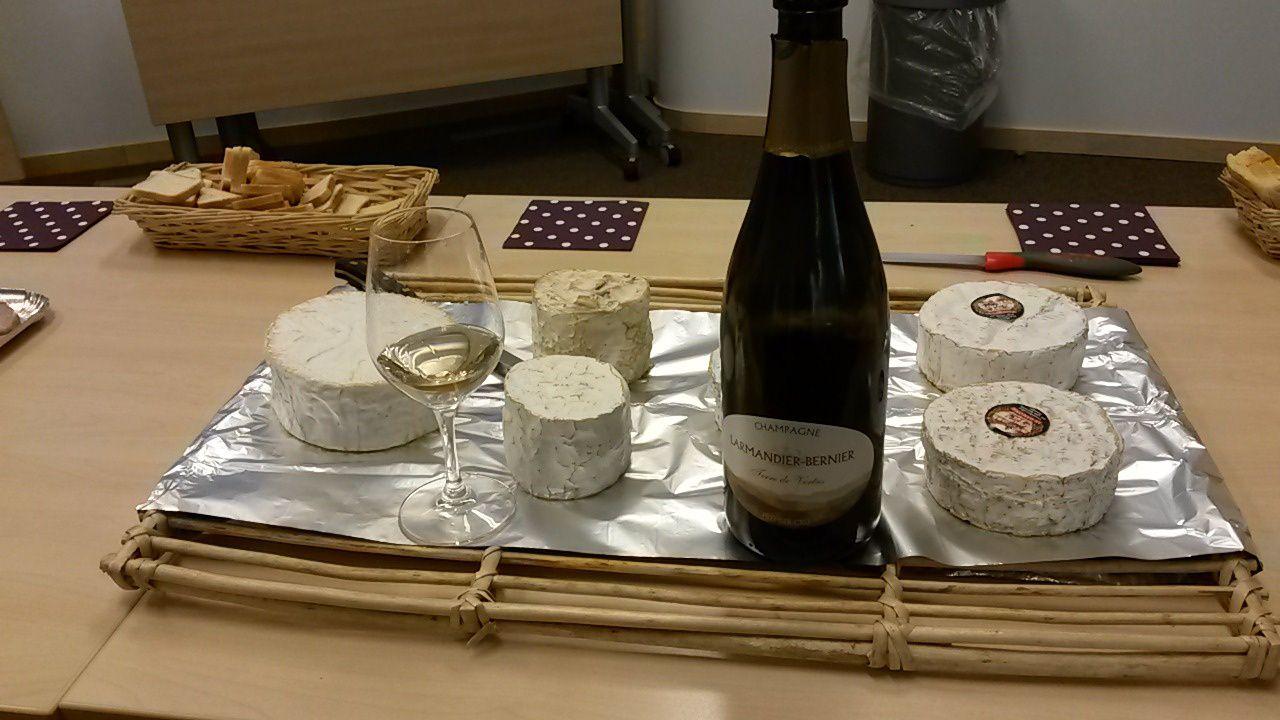 Le Champagne a également sa place sur certains fromages, notamment le Chaource