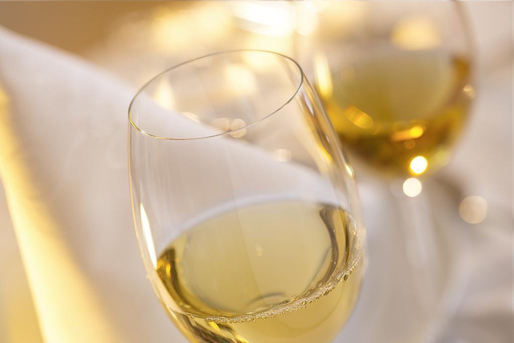 A quelle température servir les vins blancs secs?