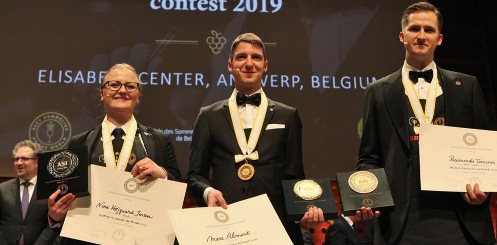 Les 3 finalistes:  De gauche à droite : Nina Hjgaard Jensen (Danemark)2è, Marc Almert (Allemagne) 1er, et Raimonds Tomsons (Lettonie), 3è.
