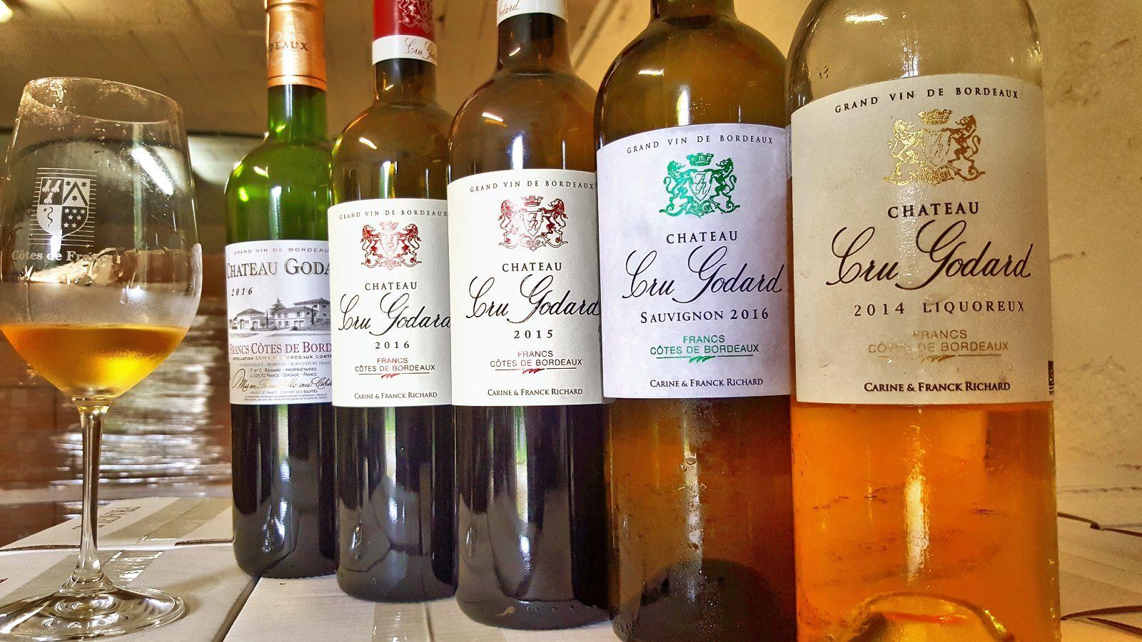 Le Cru Godard propose une gamme assez large de vins, d'une excellente homogénéité dans la qualité.