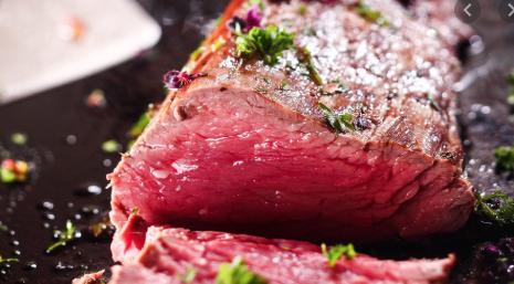 La viande de boeuf cuite à la perfection...(photo ©Elle)