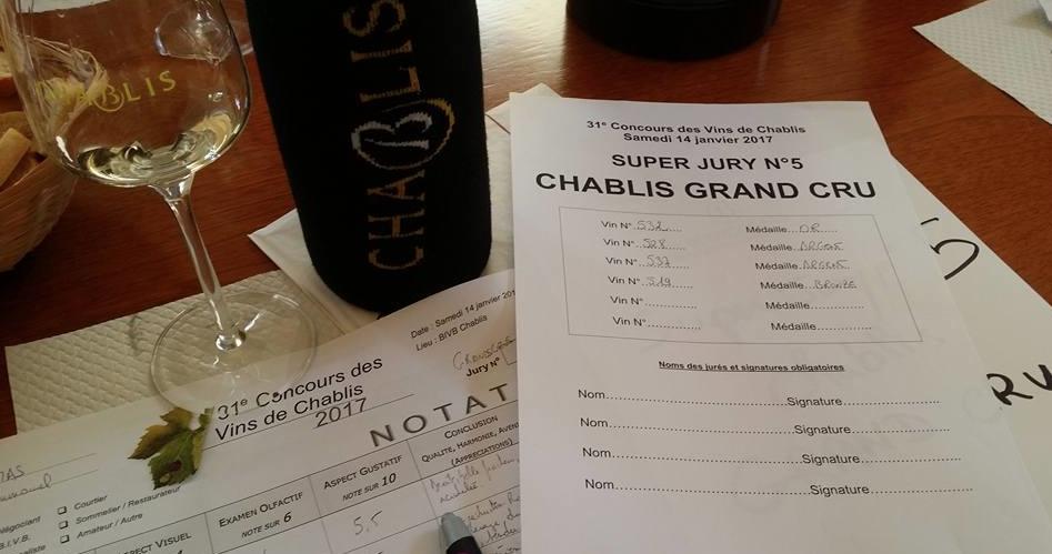 Les jurys professionnels ont bien plus de crédibilité mais leur objectif n'est pas le même ! Ici, j'étais président du jury des vins de Chablis en 2017.