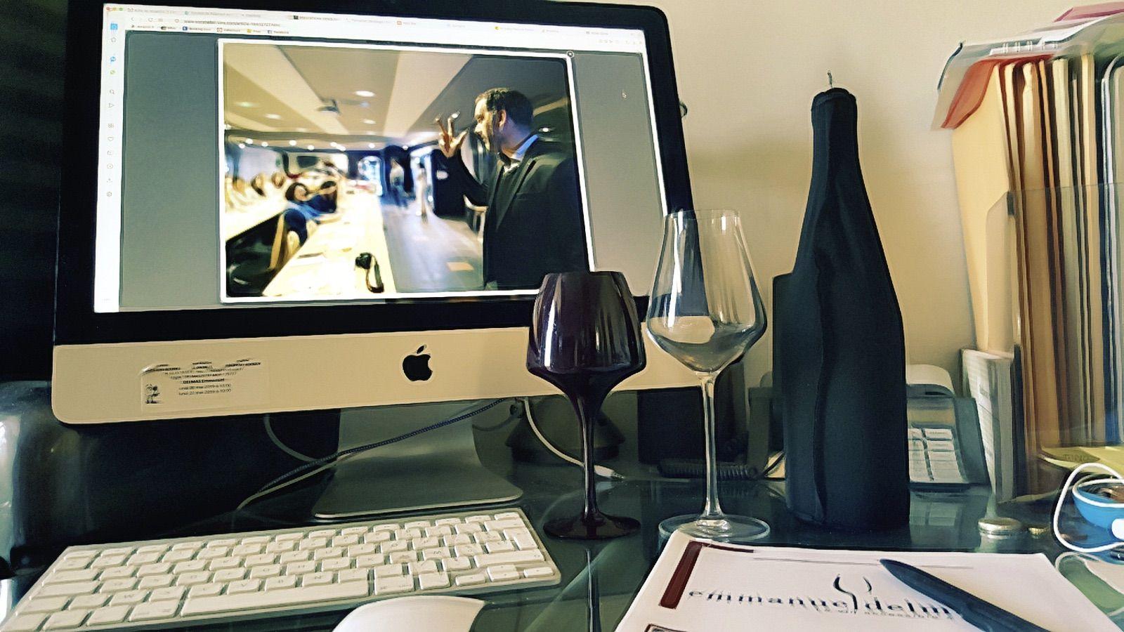Le confinement offre l'occasion d'apprendre, de lire, de regarder et d'entendre vidéos, podcasts et magazines sur le vin, mais aussi de boire du vin, à distance, profitez-en!