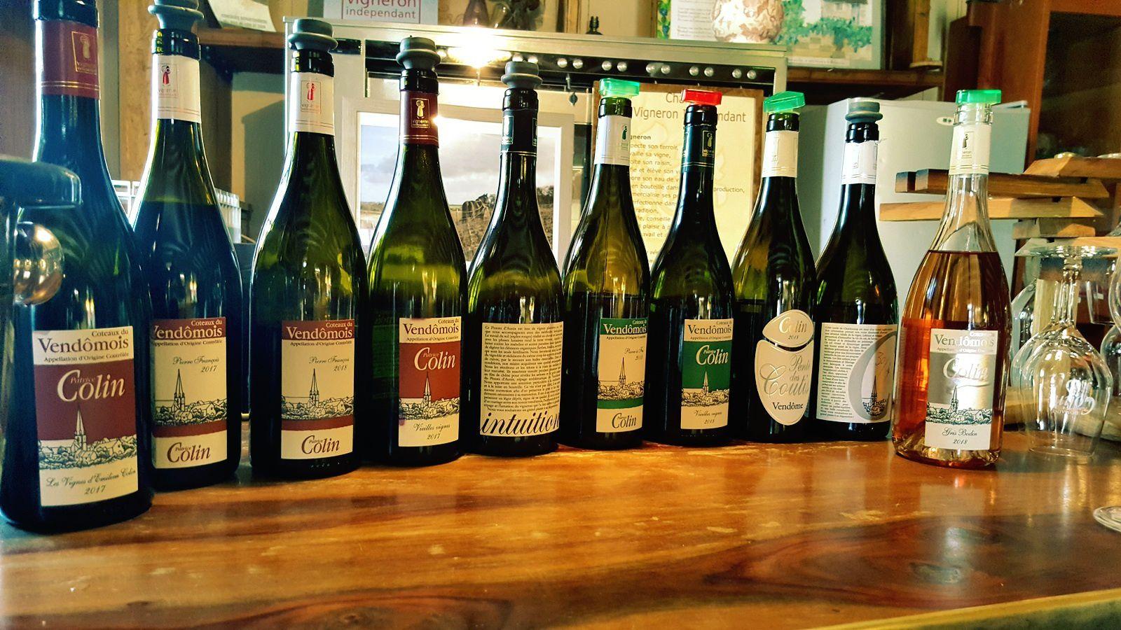 La gamme des vins de Patrice Colin est assez remarquable, d'une qualité d'ensemble de belle tenue. Tout y est bon ! Des vins blancs, aux bulles, en passant par les vins rouges. Bravo!