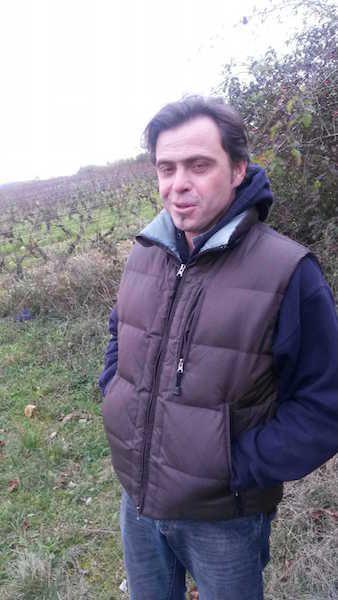 Gilles Ballorin, dans ses vignes, heureux tout simplement.